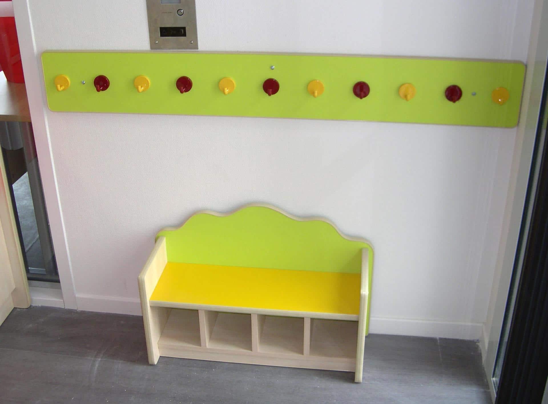 banquette enfant avec rangements chaussures conception design production. Black Bedroom Furniture Sets. Home Design Ideas